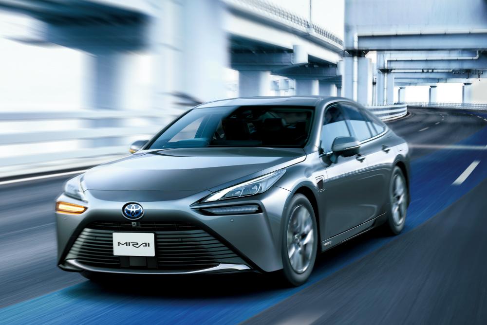 高度運転支援技術の新機能「Advanced Drive」を搭載したMIRAI発売